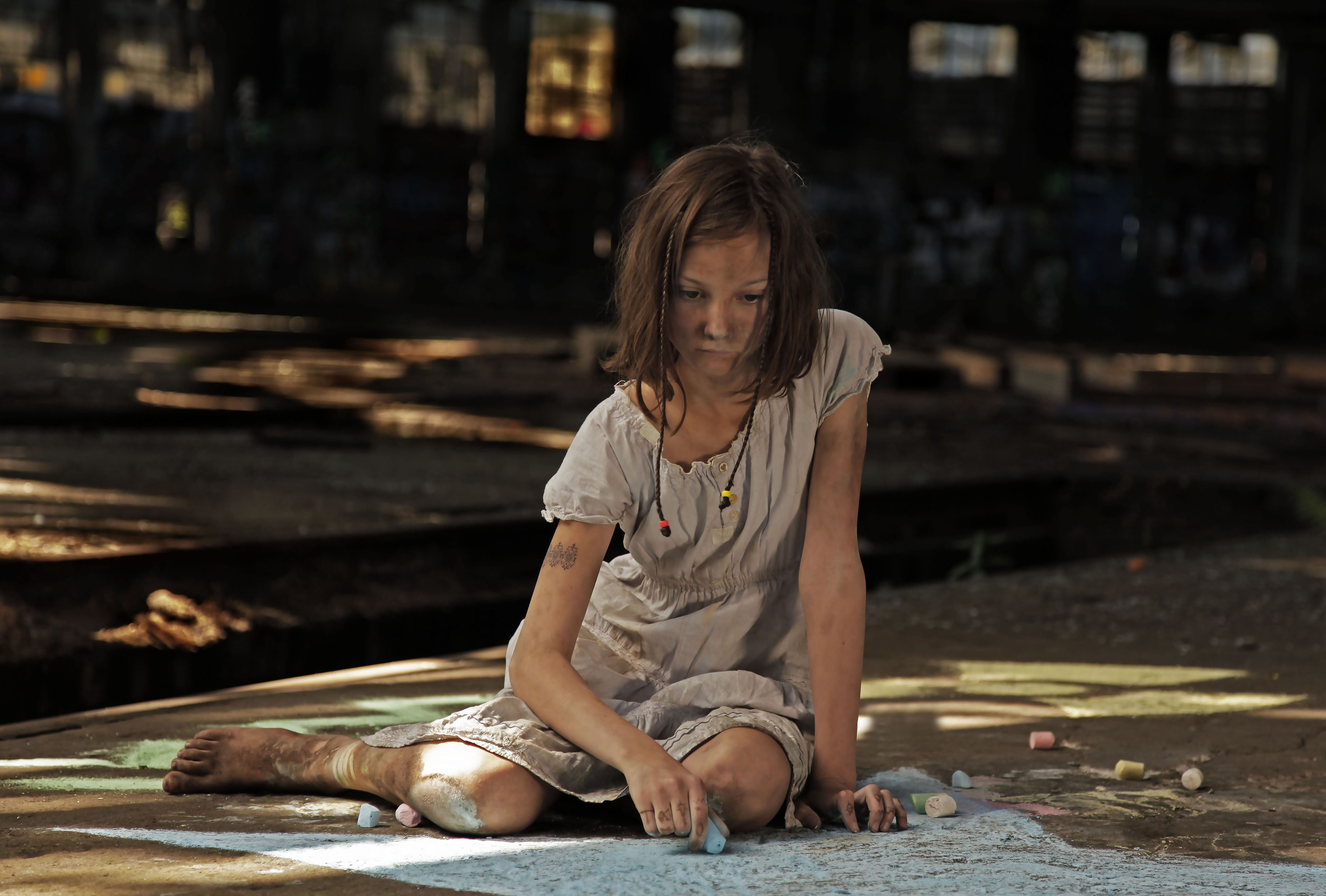 03 1576 Nessa Füße nach rechts traurig